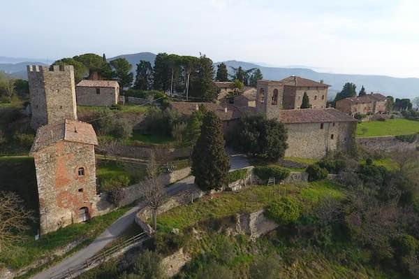 Castello di Mongiovino Vecchio, la raccolta fondi prosegue online