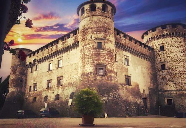 Riapre le porte Castello Orsini. Visite nel weekend con il narratore di comunità
