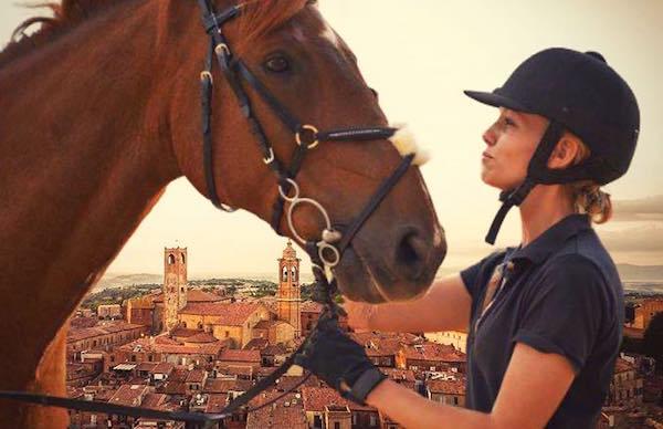 """""""Cavalli e Cavalieri"""", il fascino della tradizione equestre anima il centro storico"""