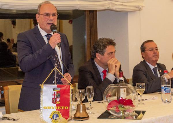 """Alla """"Festa degli Auguri"""" del Lions Club Orvieto, solidarietà per l'Aild"""