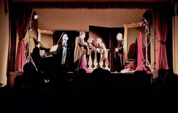 La Cenerentola del Teatro Null fa tappa al Palazzo della Cultura