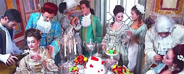 """Villa Paolina diventa set per i Cherries. Così il '700 è un """"Pensiero Stupendo"""""""
