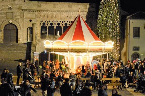 """Il """"Caffeina Christmas Village"""" decolla. Oltre 7500 presenze in tre giorni"""