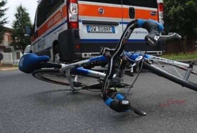 Ancora sangue sulle due ruote, ciclista cade sulle curve dell'Alfina