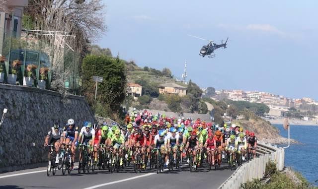 """Passa la """"Tirreno – Adriatica"""", vietato il transito alle auto nel Mancianese"""