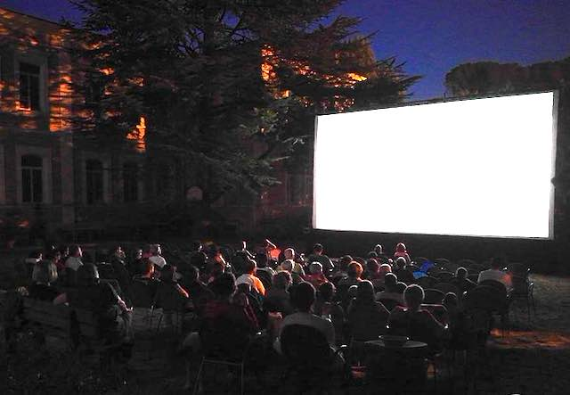 """""""Il Cinema in Giardino"""". Dal Comune agevolazioni per un'estate di film all'aperto"""