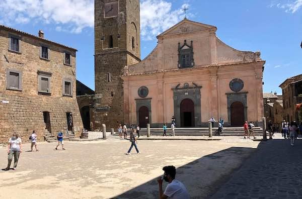 In 1.300 a Civita nel fine settimana, per una visita in sicurezza