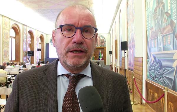 """Il direttore Dario formalizza la domanda di pensione. Tesei: """"La sua esperienza al servizio della sanità regionale"""""""