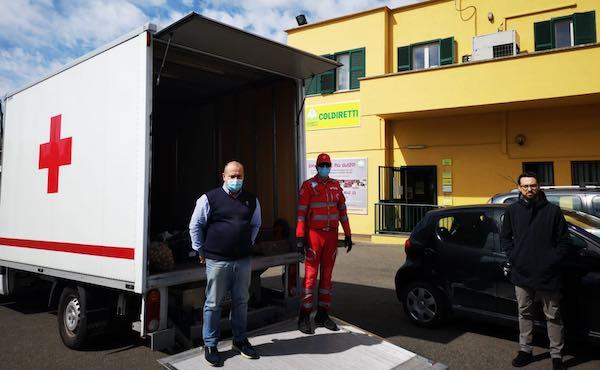 Campagna Amica dona i propri prodotti alla CRI e alla Caritas