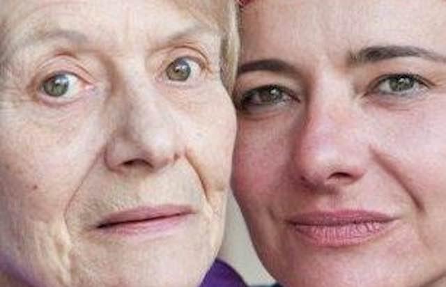 """""""Come mia madre"""", una mostra per celebrare il mese mondiale dell'Alzheimer"""