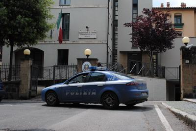 Ruba i gioielli all'anziana vicina, 30enne orvietana denunciata dalla Polizia