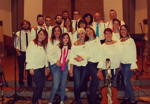 """Il concerto de """"I Luce"""" raccoglie fondi per il restauro del campanile"""