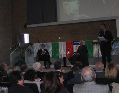 Sala dei Quattrocento gremita per l'apertura ufficiale della campagna di Toni Concina
