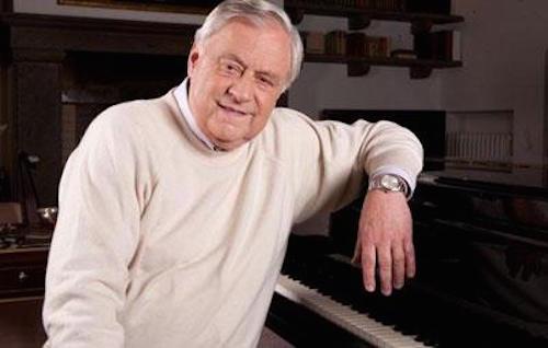 Su WhatsApp i brani al pianoforte dell'ex sindaco Toni Concina
