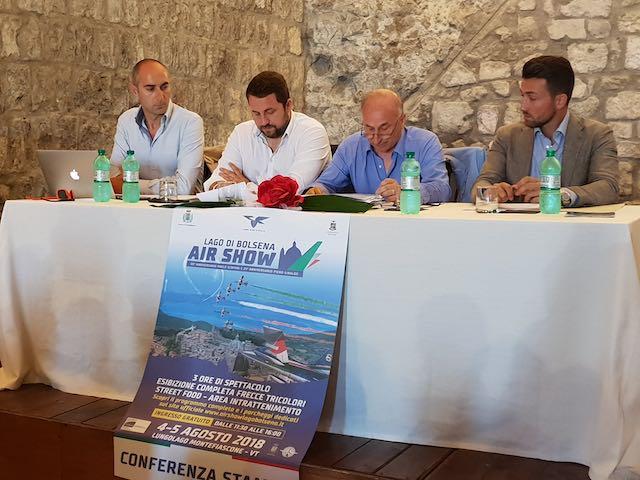 """""""Air Show Lago di Bolsena"""", tre ore di spettacolo con le Frecce Tricolori"""