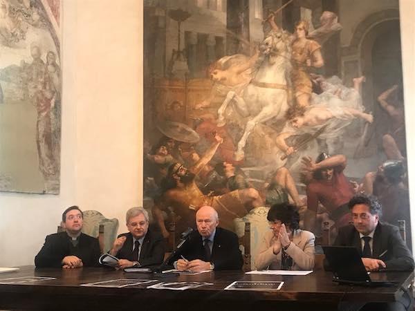 """""""Entro l'anno torneranno in Duomo anche le statue degli Apostoli"""""""