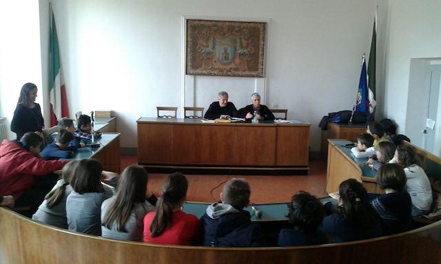 La scuola secondaria di primo grado dell'Istituto Vannucci in visita al consiglio comunale