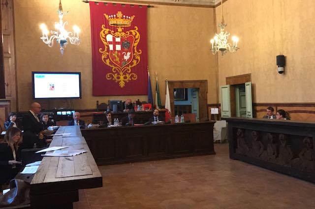 La relazione dell'assessore al bilancio Massimo Gnagnarini