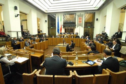 Opposizioni regionali contro la Marini: presentata mozione di sfiducia