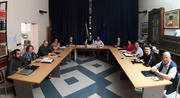 Giunta rosa per il secondo mandato del sindaco Fabio Roncella