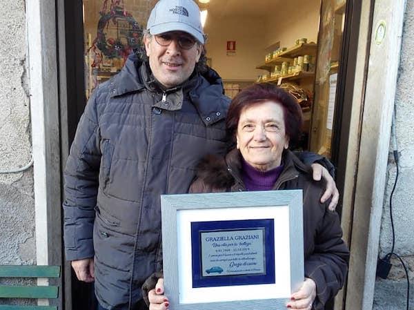 Mezzo secolo di storia dentro il negozio di generi alimentari di Graziella