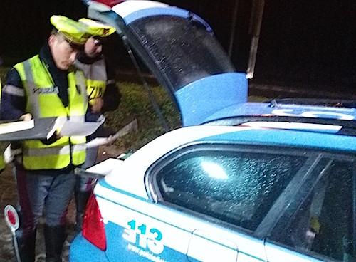 Sicurezza stradale e prevenzione dei furti. La polstrada ritira 5 patenti
