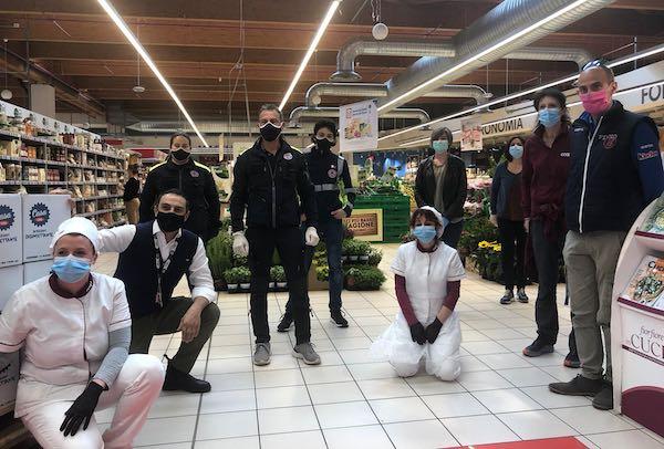 """Il dono dei lavoratori di Coop """"Porta d'Orvieto"""" al Market Solidale"""