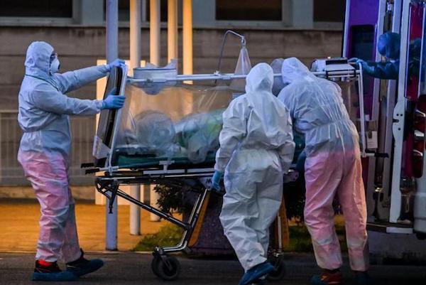 """""""Un anno di emergenza Coronavirus. Alla memoria dei medici caduti e al personale sanitario in attività"""""""