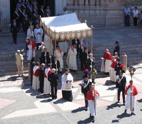 La città verso la festa del Corpus Domini. Disciplina della viabilità durante le manifestazioni
