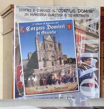 Orvieto città del Corpus Domini. Figurine, cornamuse, Facebook, Dame accompagnate da nobili. Tutte le novità sul Corteo 2012