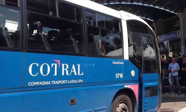 Il Comune paga l'abbonamento Cotral agli studenti