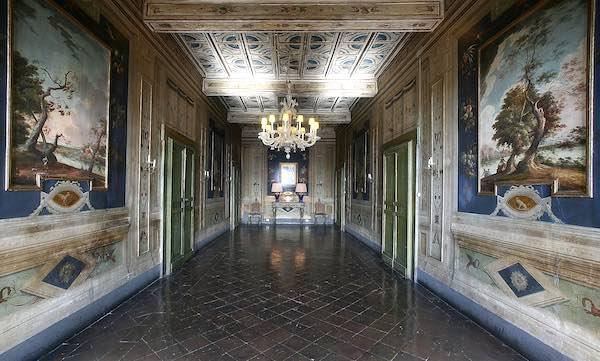Visite a Palazzo Cozza Caposavi, nelle sale affrescate dove è passata la Storia