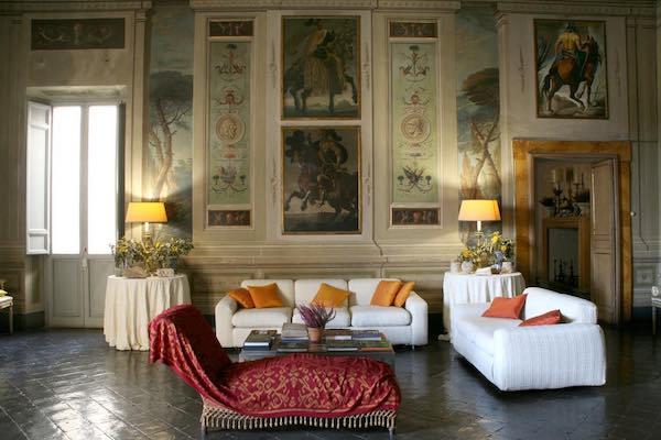 Boom di presenze a Palazzo Cozza Caposavi. Si lavora a un progetto più ampio