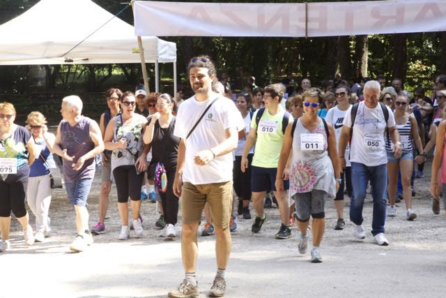 """Walk for the Cure"". Camminare insieme per combattere i tumori al seno"