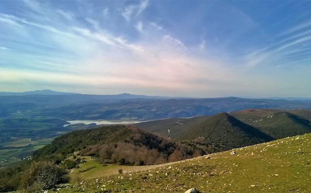 Al cospetto del Monte Croce di Serra. Passeggiata panoramica, a quota mille