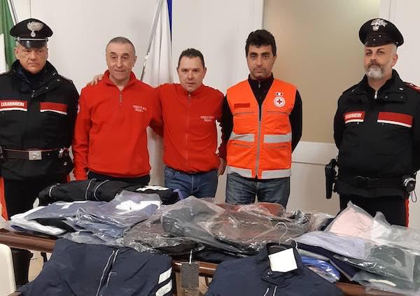 Croce Rossa Italiana e Carabinieri aiutano le famiglie in difficoltà