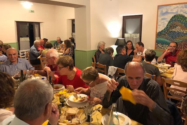 In tanti per la cena di beneficenza, presto l'installazione del defibrillatore a Trevinano