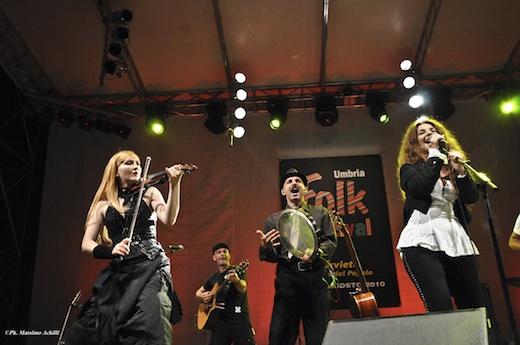 Umbria Folk Festival. Con Teresa De Sio e Davide Van De Sfroos si conferma il successo della IV edizione