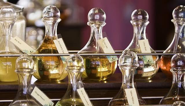 A Villa Paolina, corso di distillazione delle piante aromatiche