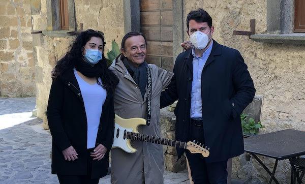 """Dodi Battaglia sceglie Civita di Bagnoregio per girare il video del suo nuovo singolo """"Resistere"""""""