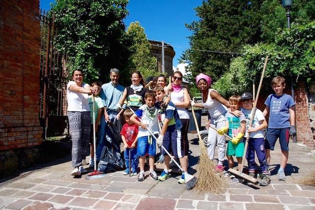 """Tutti insieme a pulire il paese. Proceno inaugura le """"Domeniche del borgo"""""""