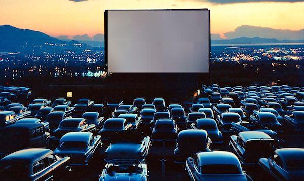 Otto serate di cinema. In Piazzale Bellucci arriva il drive-in estivo