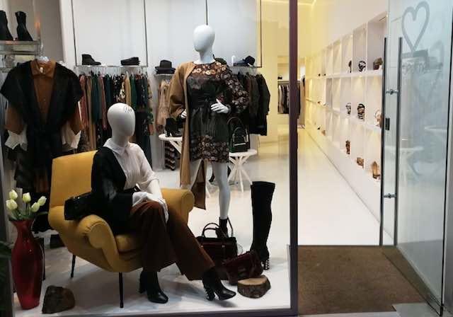 Sfilata di moda lungo Corso della Repubblica per Duedimè Concept Store