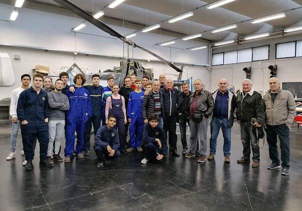 """All'Istituto Tecnico Tecnologico """"Leonardo da Vinci"""" formati i nuovi manutentori elicotteristi"""