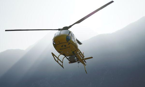 E-Distribuzione avvia il check-up delle linee con un elicottero specializzato