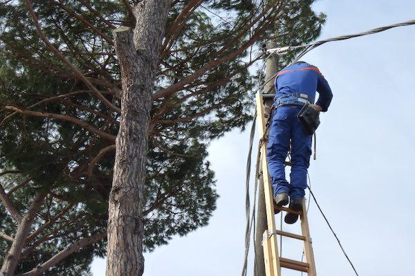 Arriva la fibra ottica. Via ai lavori per la digitalizzazione delle rete elettrica