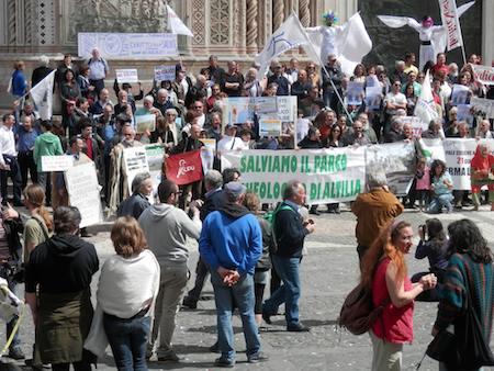 Basta eolico! In Piazza Duomo per manifestare la contrarietà allo scempio del paesaggio orvietano e italiano