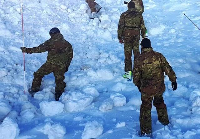 Scuola sottufficiali dell'Esercito in addestramento. Allievi marescialli in ambiente montano