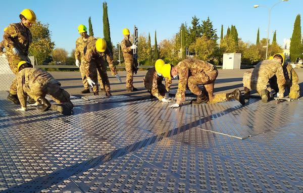 Covid-19, arriva l'Esercito. Ospedale da campo in allestimento al S.Maria della Misericordia