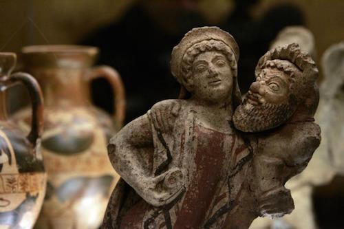 Ben 250 reperti ritrovati a Orvieto sono il cuore del nuovo museo archeologico di Napoli